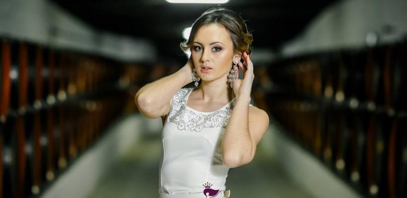 """Olesea Cernavca, Miss ASEM 2015: """"Sunt profesoară, sunt sergent militar și sunt om!"""""""