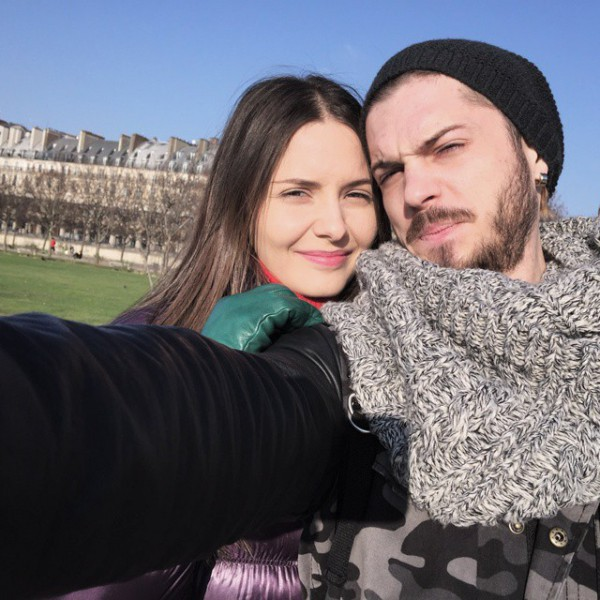 Moldoveanul Alex Mațaev se iubește cu fiica vicepremierului din România! Tinerii, suprinși în tandrețuri (Foto)