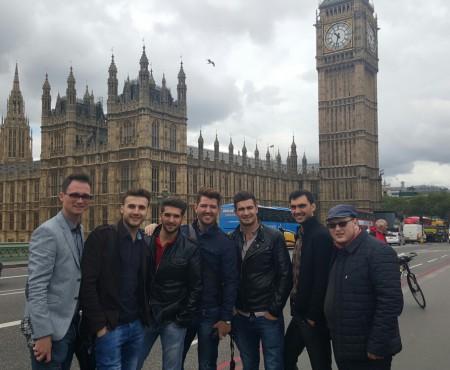 Brio Sonores cucerește Londra! Ce au făcut băieții la Palatul Buckingham (Foto)