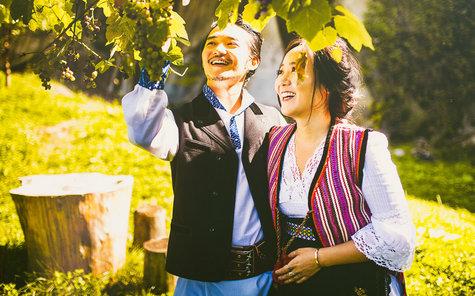 Ce poate fi mai frumos! Doi sud-coreeni s-au căsătorit în ie și opinci, în mijlocul României (Foto)