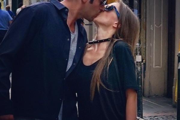 """Adela Popescu despre primul sărut: """"Cu inima în gât, aproape tremurând. Am închis ochii. Apoi ne-am sărutat"""" (Foto)"""