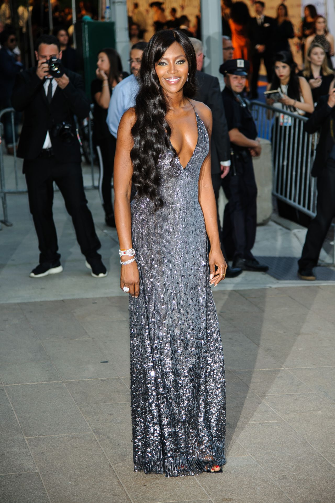 naomi-campbell-in-diane-von-furstenber-dress-at-2014-cfda-fashion-awards_7