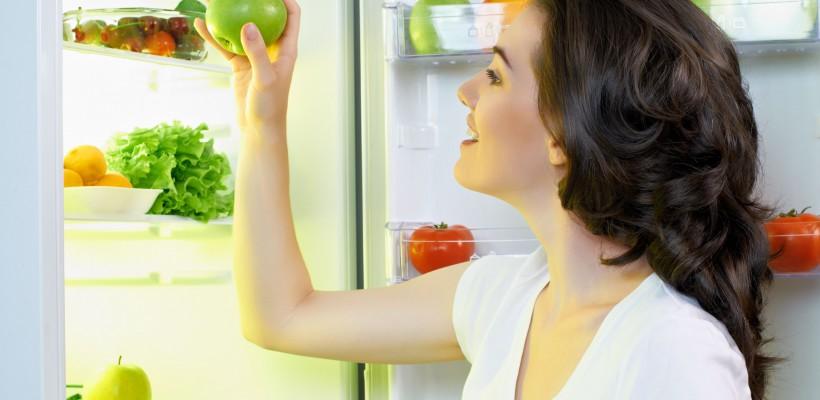 Ești mereu înfometată? 6 lucruri îți vor explica de ce stomacul face zarvă