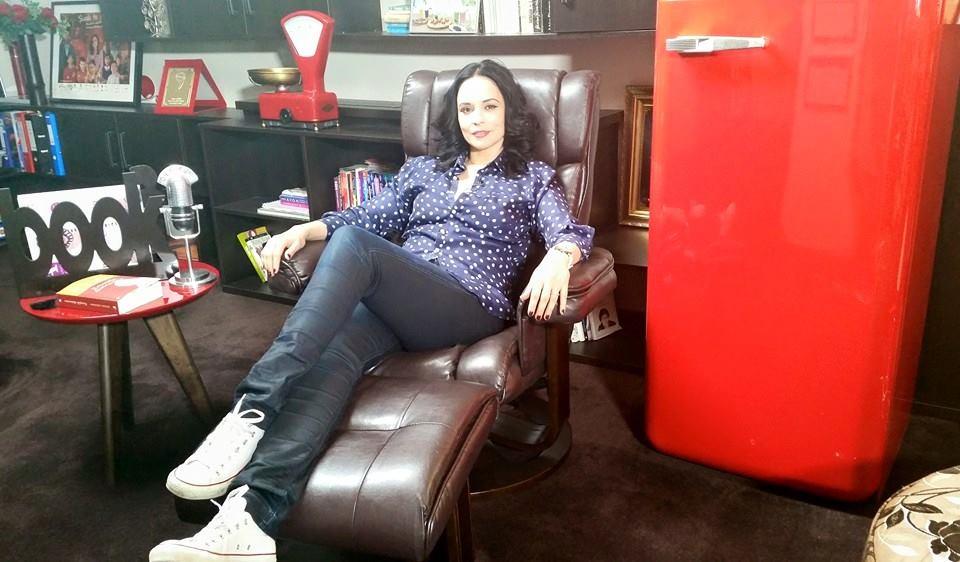 Andreea Marin Părul Ondulat și Rebel Dă Un Aer Mult Mai Senzual