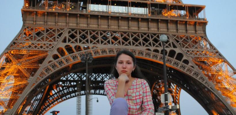 """Olesea Roibu, studentă la Université Paris-Est Créteil: """"La ei e absolut normal ca un student să-și câștige singur bani de buzunar, chiar dacă este dintr-o familie asigurată"""" (Foto)"""