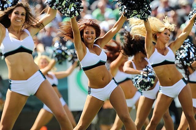 philadelphia-eagles-cheerleaders-152098910