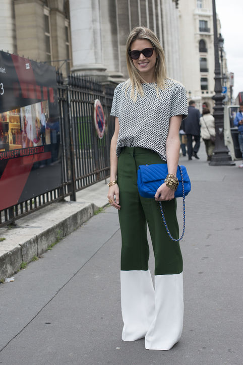 what-to-wear-to-work-wide-leg-trousers-silky-short-sleeve-blouse-h724