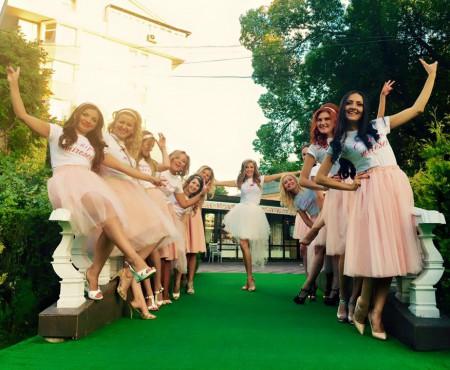 Petrecerea burlăcițelor cu Tatiana Heghea în rol principal! (Foto)