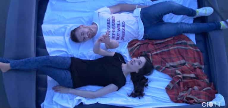 """Cuvinte și imagini care provoacă fiori! Augustina Șiman a lansat videoclipul literar """"Șapte"""" (Video)"""
