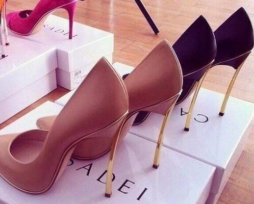 Poartă pantofii cu toc! Aceste patru rețete îți vor oferi comoditate în orice încălțăminte