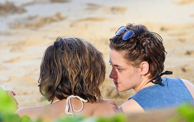 Kristen Stewart nu-și mai ascunde orientarea sexuală (Foto)