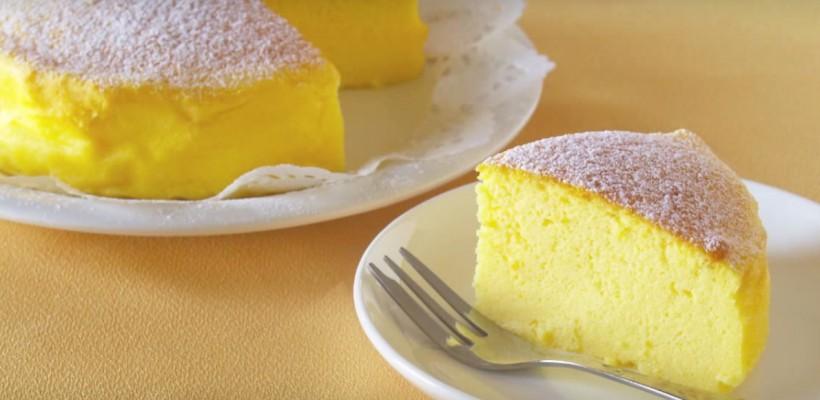 Prepară un Soufflé Cheesecake pufos din numai 3 ingrediente!