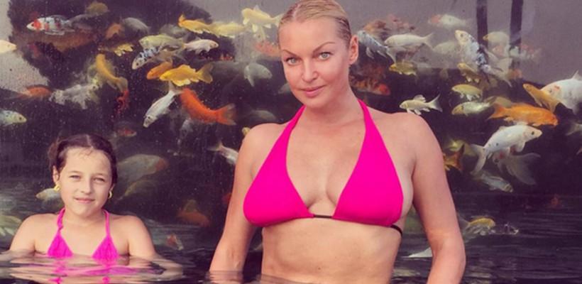 Fiica Anastasiei Volochkova încearcă să imite extensiile balerinei
