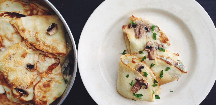 Valerie's Food: Clătite umplute cu sos de ciuperci