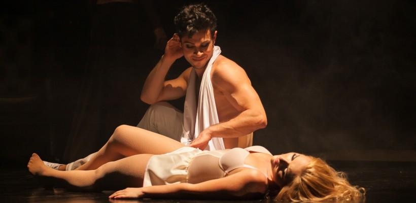 """""""Dorian Gray"""" poate fi vizionat acum și la teatrul din Chișinău. Imagini de la premieră"""