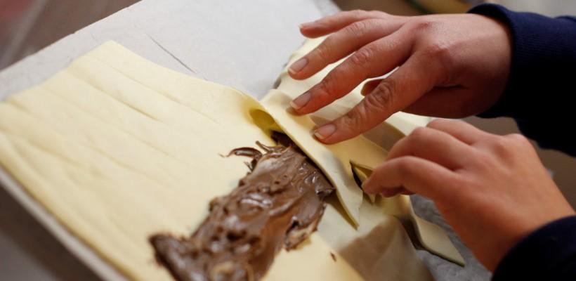 Desertul deserturilor: ciocolata învelită în aluat. Rețetă video