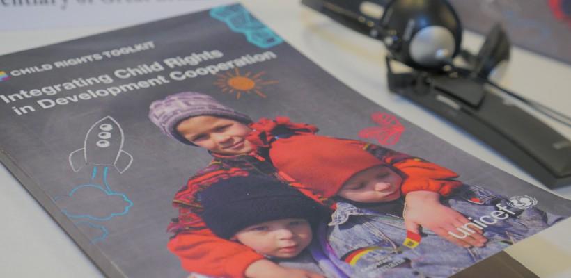 Drepturile Copilului au căpătat o nouă abordare pentru Republica Moldova. Iată care este scopul unui manual recent lansat