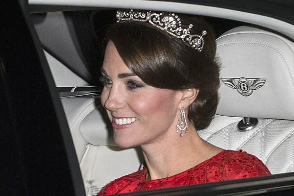 Kate Middleton a purtat pentru a treia oară tiara! A avut o apariție istorică