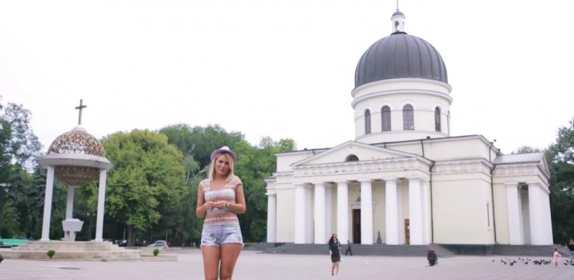"""Dianna Rotaru scoate din cuptor o piesă patriotică: """"Comorile Țării"""""""