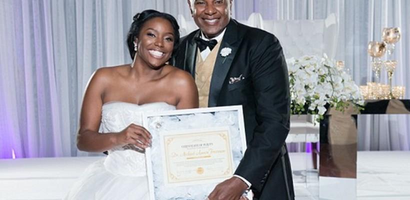 În ziua nunții, o tânără din SUA i-a dăruit tatălui un certificat ce-i atestă castitatea