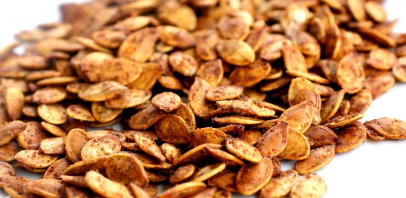 Cum rumenești la cuptor semințele de dovleac? Rețeta video