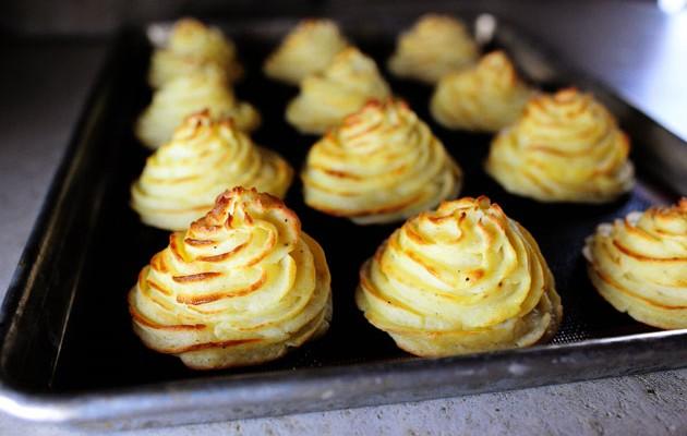 """""""Cartofii Ducesei"""" – o rețetă inedită de preparare a pireului de cartofi"""