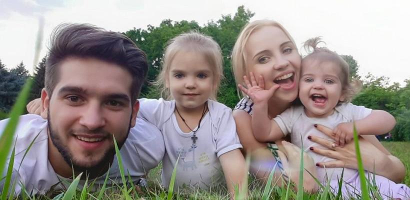 Mihai Gandraman (Brio Sonores) își duce fetițele aproape în fiecare duminică la biserică