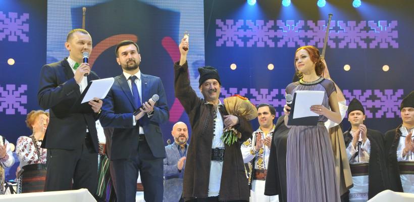 Potcoava de Aur, ediția a X-a, prima seară: trei mari nume ale muzicii moldovenești au primit marele trofeu (Foto)