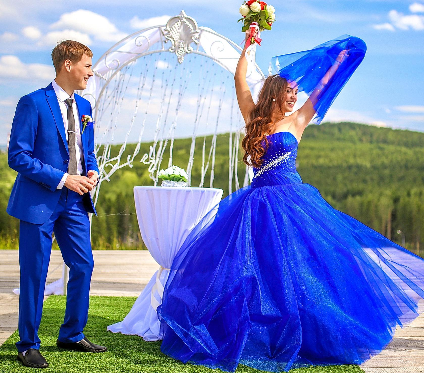Imagini pentru nunta albastră