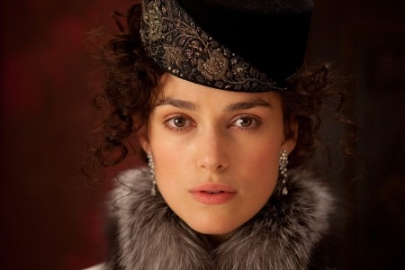 keira-knightley-women-brown-eyes-curly-hair-hats-faces-fur-clothing-anna-karenina (1)