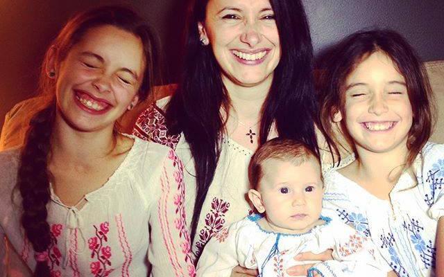 """Nata Albot, mamă a trei fetițe: """"Alăptatul este un dar minunat al naturii pe care e păcat să nu-l accepți"""""""