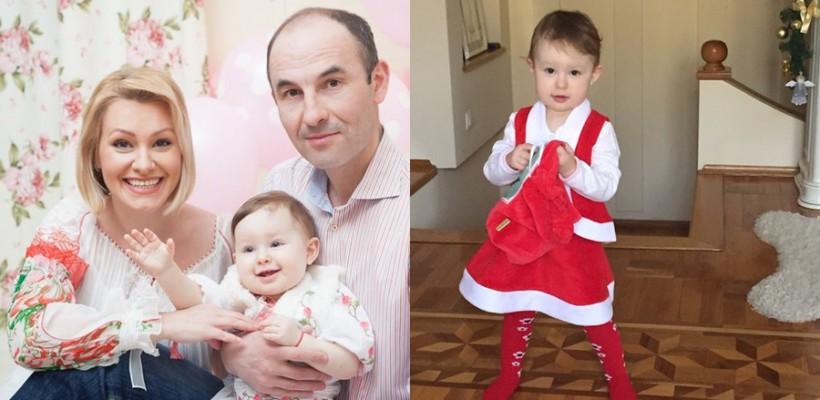 """Fetița Lorenei Bogza: """"Sunt Daria. Daria Nastas. Astăzi împlinesc exact un an și nouă luni"""""""