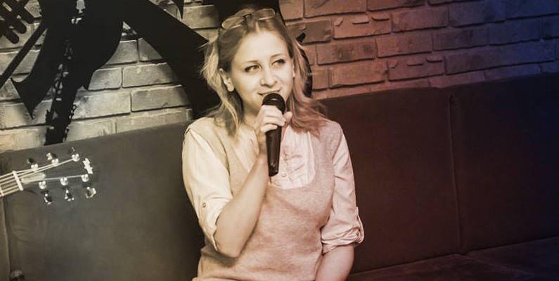 """Rodica Olișevschi: """"Mi-am luat inima în dinți, chitara în mâini și am urcat pe scenă"""""""