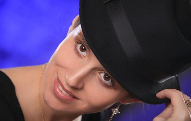 O interpretă de la noi își răsfață tenul cu creme pentru copii și smântână! Vezi despre cine este vorba (Video)