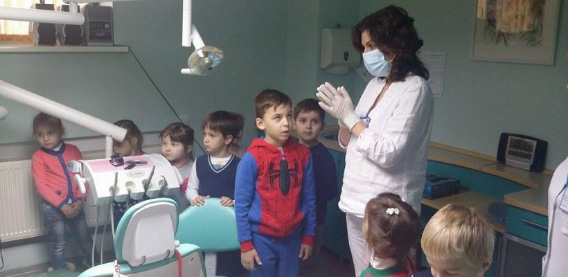 Cum să pregătim copilul de vizita la dentist? Sfaturi de la stomatologul Oxana Munteanu