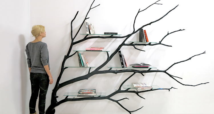 Acest designer transformă crengile copacilor în articole frumoase de mobilier