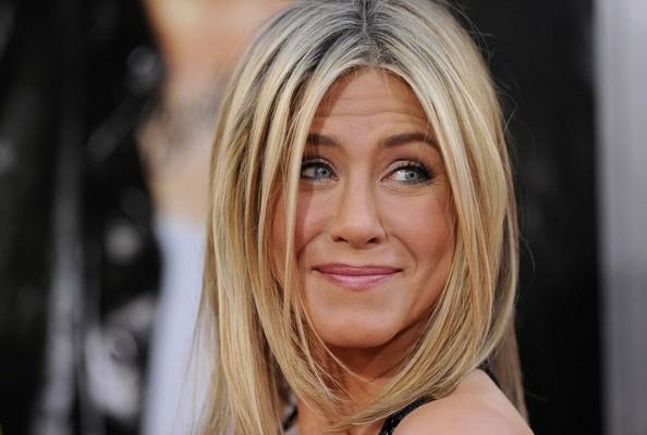 """Jennifer Aniston este omagiată astăzi! Cele mai celebre gânduri ale vedetei: """"Trebuie să gândim mai puțin, mai mult să trăim."""""""