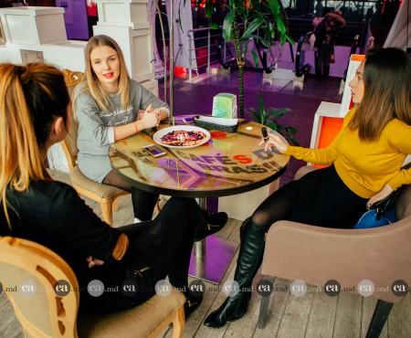Olga Manciu și Ana Irina Petrea spun cum să te machiezi pentru o ieșire la o cafea (Foto)