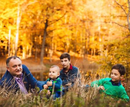 Are trei flăcăi! Vezi cât de mari au crescut băieții politicianului Igor Dodon (Foto în articol)