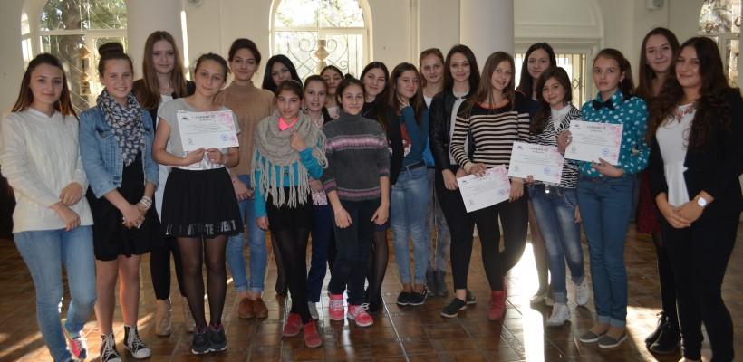 LeaderSHE Junior, gata să inspire tinerele în cea de-a doua ediție a proiectului
