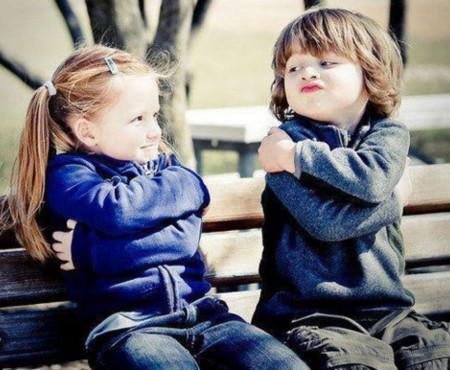 Copiii spun lucruri amuzante despre căsătorie, relație și iubire