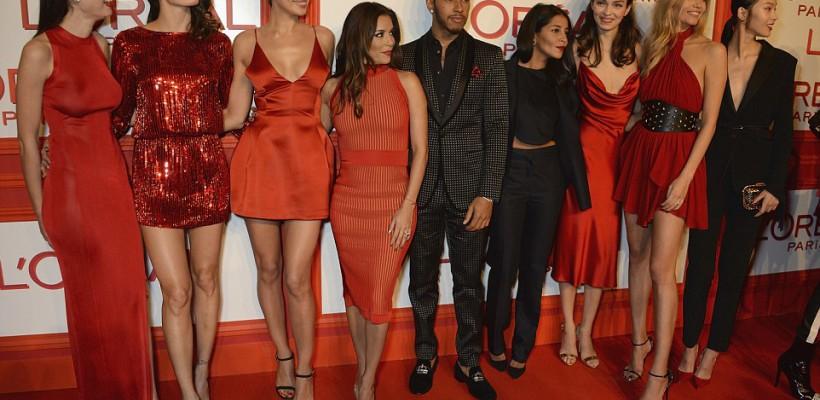 Irina Shayk și Eva Longoria și alte dive au eclipsat în rochii roșii, la petrecerea L'OREAL Red Obsession (Foto)
