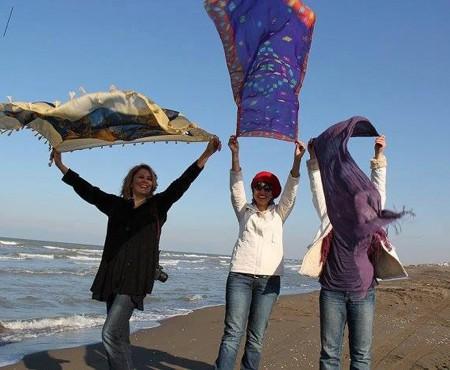 Campanie împotriva hijabului! Turistele din Iran refuză să-și acopere capul