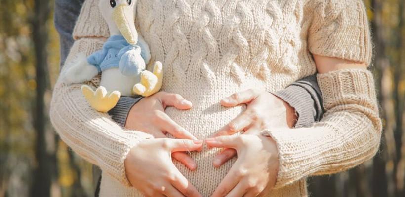 Cum să se comporte o gravidă – persoană publică cu presa, din perspectiva specialistului în PR