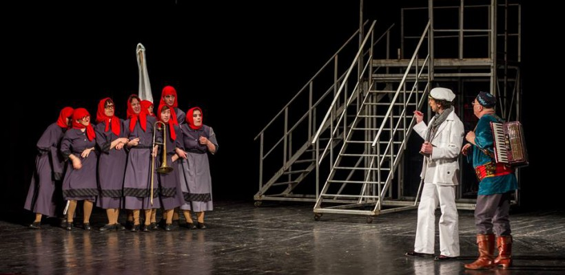 """""""12 scaune"""" revine la Teatrul Național """"Mihai Eminescu"""". Comediile încheie luna mai"""