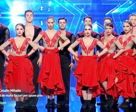 """Admiră-i pe minunații dansatori din Flagrant. Au făcut furori la """"Românii au Talent"""" (Video)"""