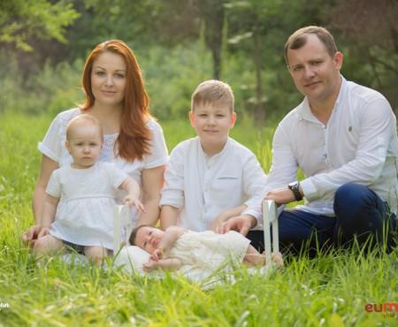 Familia lui Aurel Chirtoacă, în formula de 4+1! Cât de mare s-a făcut mezina Cătălina