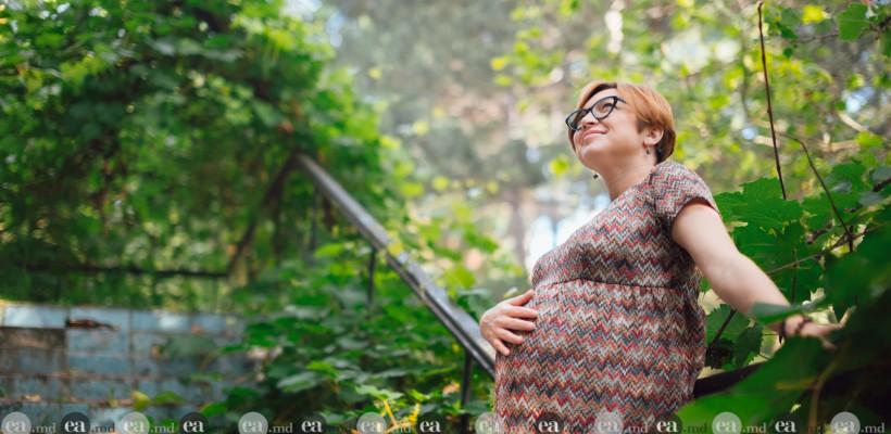 """8 gânduri de viitoare mamă de la jurnalista Oxana Iuteș: """"Maternitatea este acea stare când…"""""""