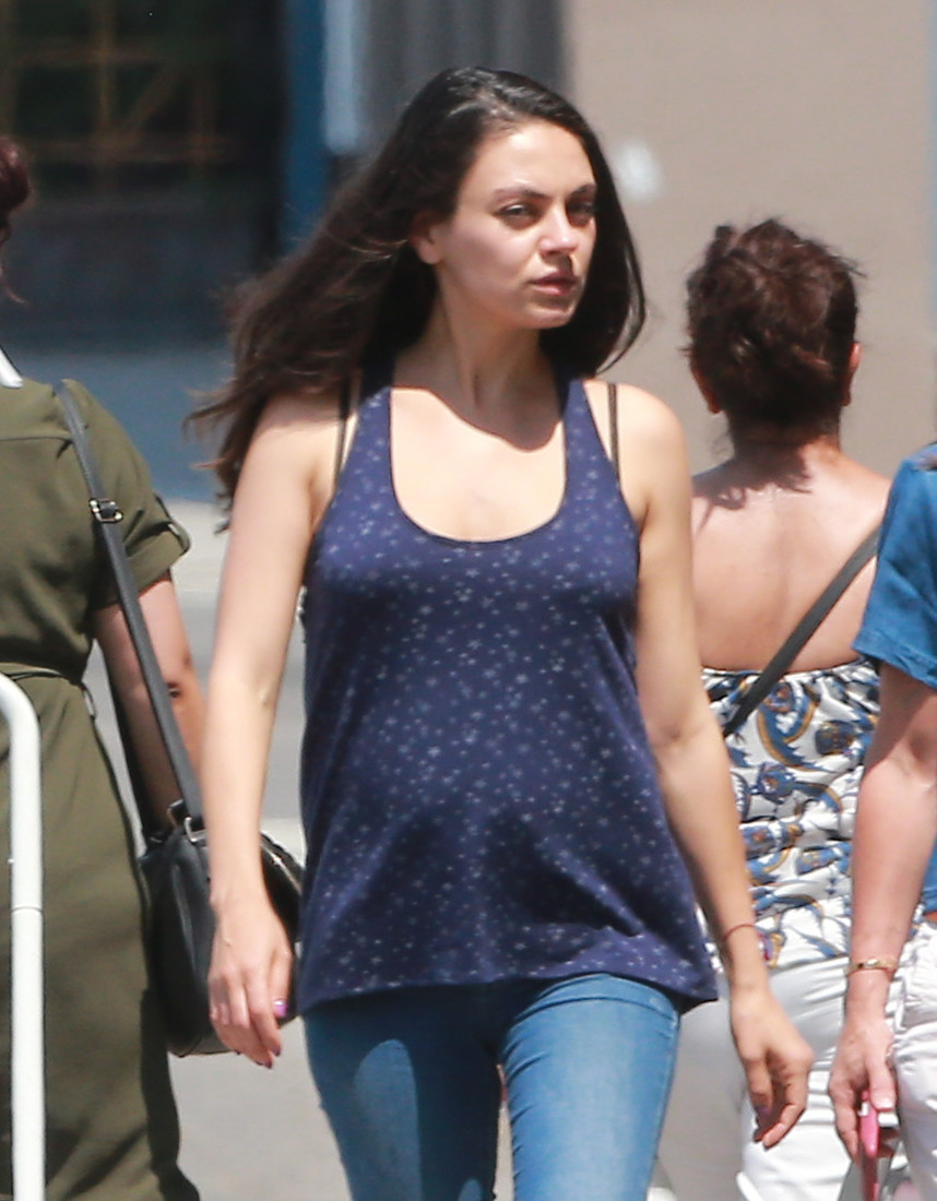 52100002 Pregnant actress Mila Kunis out grabbing lunch with a friend in Los Angeles, California on June 21, 2016. The two went to Cafe Gratitude. Mila's pregnant belly was starting to show in her blue shirt. FameFlynet, Inc - Beverly Hills, CA, USA - +1 (310) 505-9876