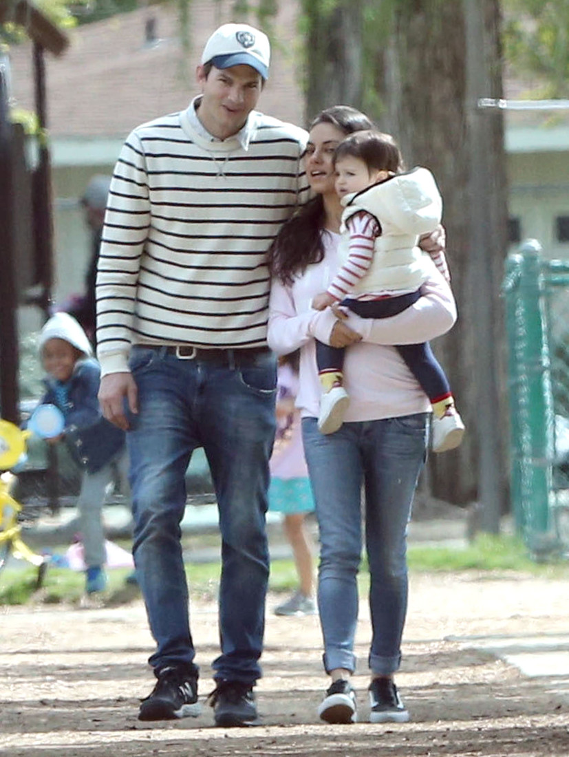 Exclusive... 51995422 Couple Mila Kunis and Ashton Kutcher take their daughter Wyatt to a park in Studio City, California on March 13, 2016. Wyatt tried her best to walk on her own but ended up getting carried after she fell down. FameFlynet, Inc - Beverly Hills, CA, USA - +1 (310) 505-9876